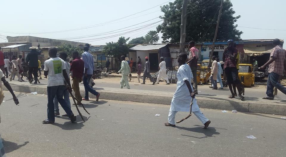 Takfiri youth attack Shia Muslims